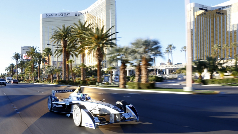 Las Vegas eRace: Formula E drivers vs. fans
