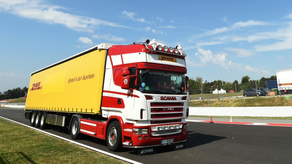 DHL ensures smooth logistics for the first triple-header in Formula 1 history
