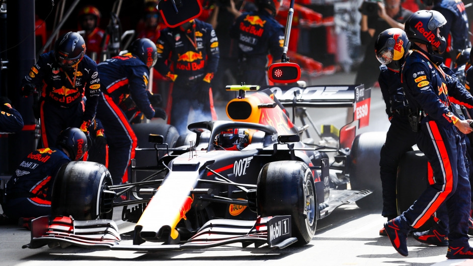 Red Bull Racing sets new pit stop world record