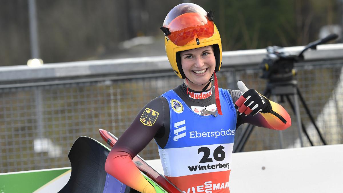 Mit Gold beim Sprint-Rennen der Damen machte Julia Taubitz ihr persönliches Winterberg-Double klar, vor Natalie Geisenberger und Dajana Eitberger. (Foto: Dietmar Reker)