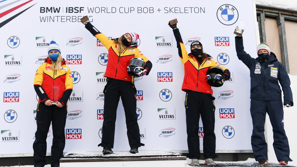 Beim Bob-Weltcup der Damen gab es diesmal vier Medaillen, drei davon allein für das deutsche Team (von links: Ann-Christin Strack, Laura Nolte und Leonie Fiebig).