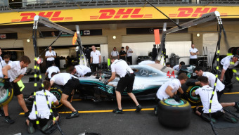 Formula 1: the winner of the design competition will be presenting the DHL Fastest Pit Stop Award at the Abu Dhabi Grand Prix