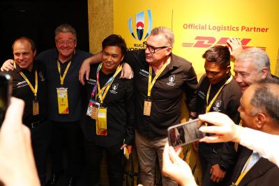(l-r) Phil Waugh (Australia), John Pearson (CEO, DHL Express), Shotaro Onishi (Japan), Sir John Kirwan (New Zealand coach) Kotaro Matsushima, (Japan) & Scott Hastings (Scotland)