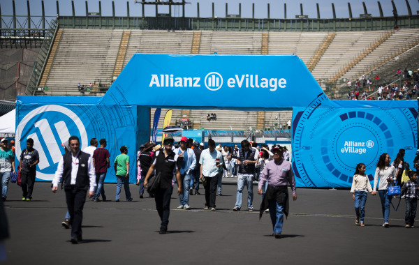 Lanzamiento de Allianz E-Village