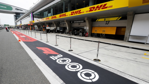 DHL delivers the 1,000th Formula 1 race to China