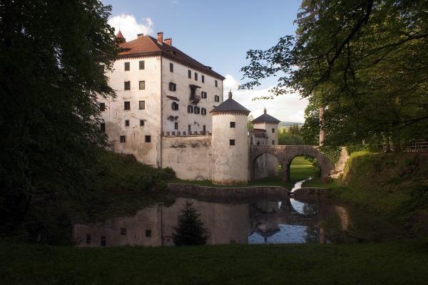 SNEŽNIK CASTLE (SLOVENIA)