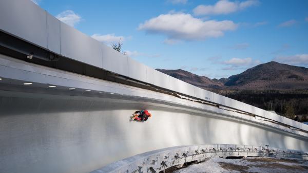 Ein deutscher Skeletoni im Eiskanal in Lake Placid. (Foto: Viesturs Lacis)