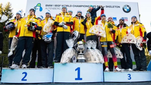 Schwarz-rot-goldener Dreifachtriumph für die deutschen 4er-Bobteams bei der WM 2020 – mit Rekordweltmeister Francesco Friedrich in der Mitte. (Foto: Viesturs Lacis)