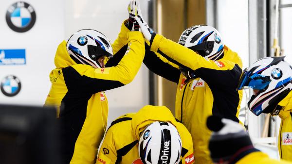 Zusammen sind sie unschlagbar: Das Team Francesco Friedrich vor dem Start in das finale WM-Rennen. (Foto: Viesturs Lacis)