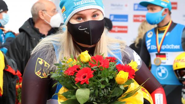 Fulminantes Comeback nach der Babypause: Erst im Februar 2020 brachte Dajana Eitbegrer ihren Sohn auf die Welt. In Oberhof durfte die Thüringerin nun schon ihren ersten Weltcupsieg in der neuen Saison feiern. (Foto: Sandro Halank)