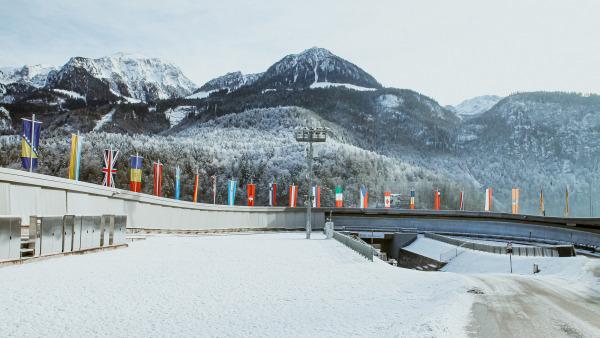 Vor einer traumhaft verschneiten Bergkulisse traf sich die internationale Rennrodelelite zum Weltcup am Königssee. (Foto: FIL/ Mareks)