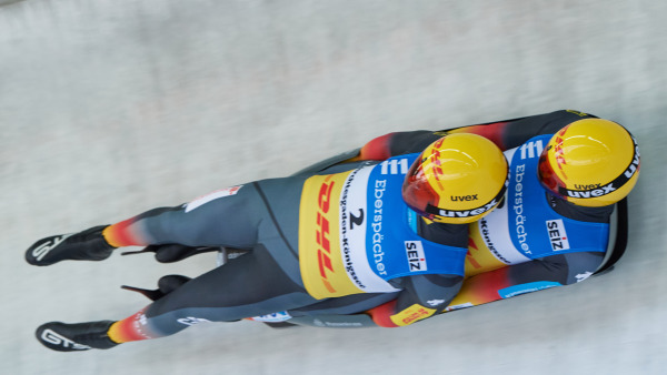 Toni Eggert und Sascha Benecken erwischten die Gerade im Rennen nicht ganz optimal. So wurde es für unsere Mannschaft ein wohl verdientes Silber bei der Team-Staffel. (Foto: BSD/ Wassmuth)