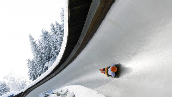 Hochkonzentriert im Eiskanal: Tina Hermann beim Training für ihren großen WM-Auftritt in Altenberg. (Foto: Viesturs Lacis)
