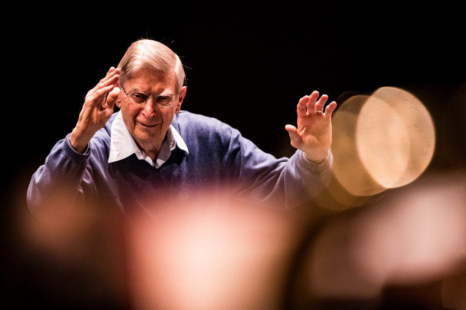 Conductor laureate Herbert Blomstedt is celebrating his 90th birthday – and shows no sign of stopping